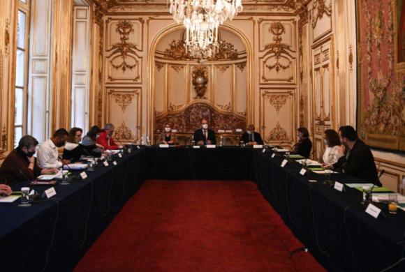 La faillite du surmoi ou la crise de l'autorité, le grand refoulement français. Revue Front Populaire